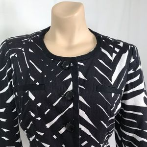 East 5th Jackets & Coats - East 5th black and white blazer size small